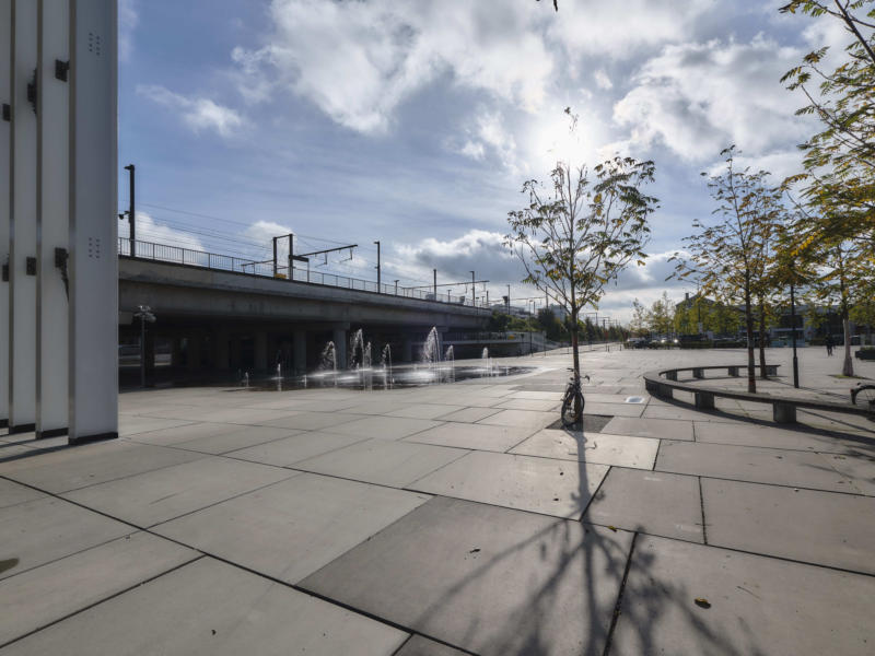 Stationsplein richting spoorweg